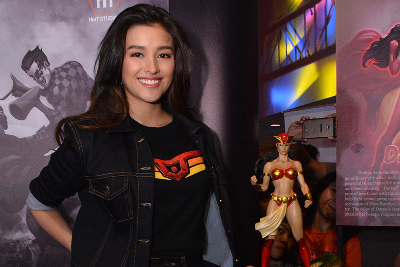 LizaSoberano with the new limited-edition Darna statue. ABS-CBN/Released
