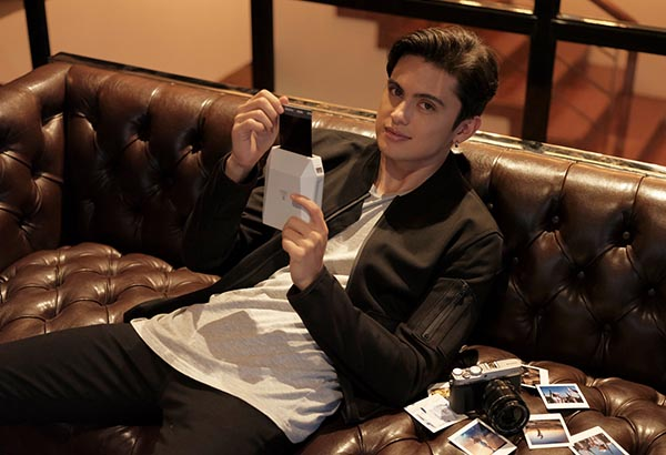 As a photography enthusiast, James Reid vouches for the new Fujifilm X-E3 camera for its touchscreen and less buttons that he said, make photography easier. Photo release
