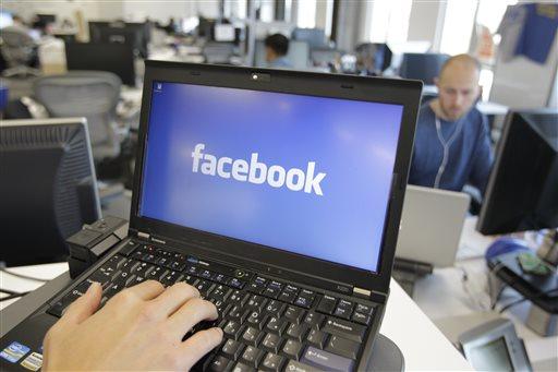 PayMaya, GCash link up with Facebook