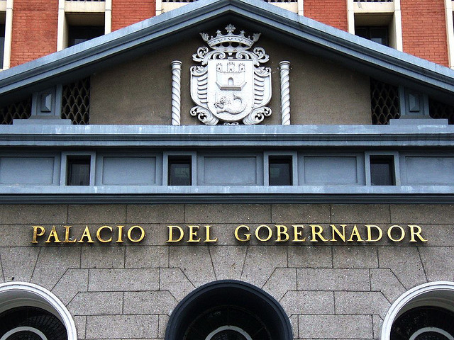 Comelec  to file raps vs overspending 2013 bets