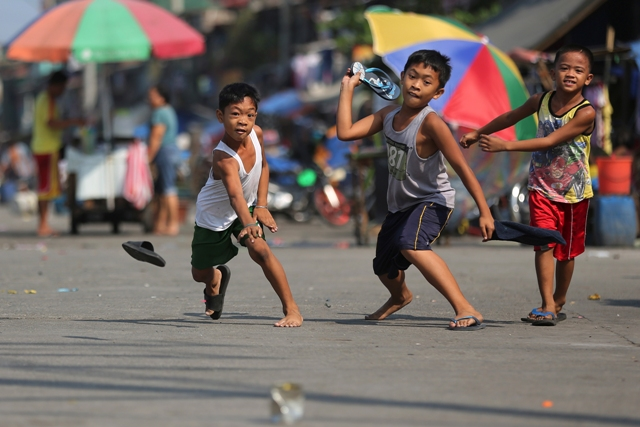 More Filipinos see better lives, economy � SWS survey