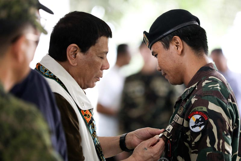 Duterte: I offered to resign, again, if pay rise of soldiers not enacted