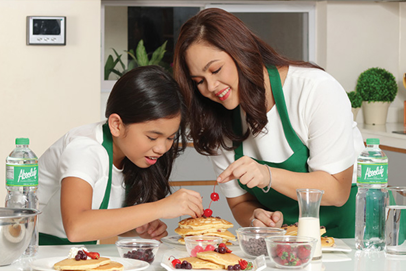 Stay-at-home moms deserve P8 million annual salary, study says