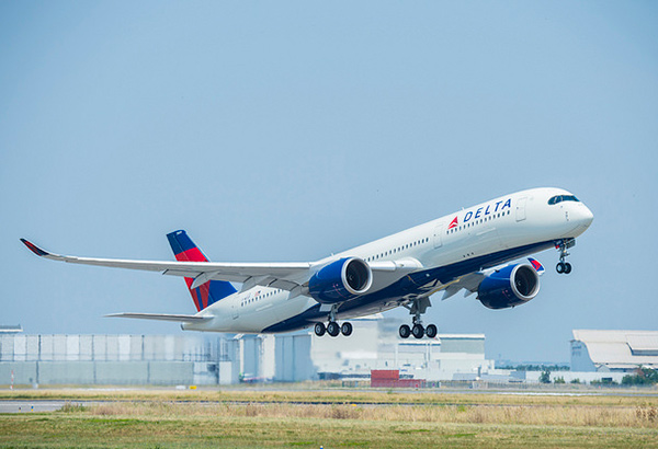 Delta's A350 flagship aircraft features award-winning suite