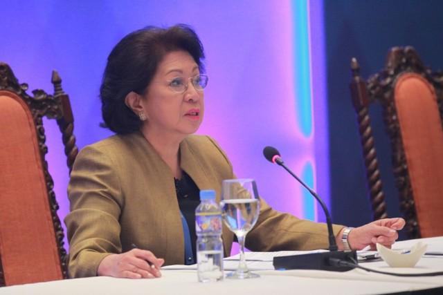 Morales tells Duterte: 'Anong pakialam niya?'