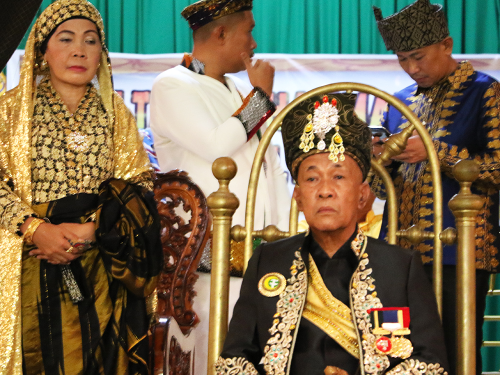 Maguindanao enthrones sultan to sustain traditions