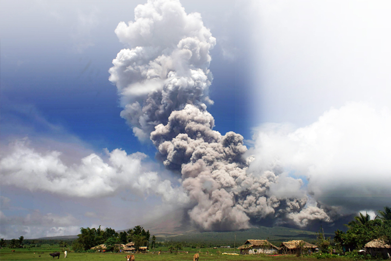 Alert Level 4 raised as Mayon spews 10-km ash