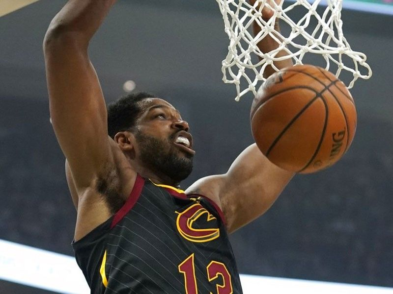Cavaliers' Thompson could miss month with sprained left foot