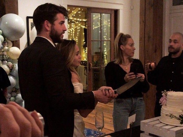 Miley Cyrus Liam Hemsworth Reportedly Got Married In Secret
