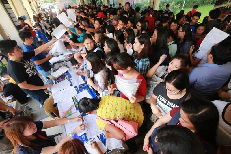 DOLE�s JobsFit 2022 Labor Market Information (LMI) Report showed that almost a million or 43.9 percent of the unemployed population nationwide in 2017 have either reached or graduated from high school.