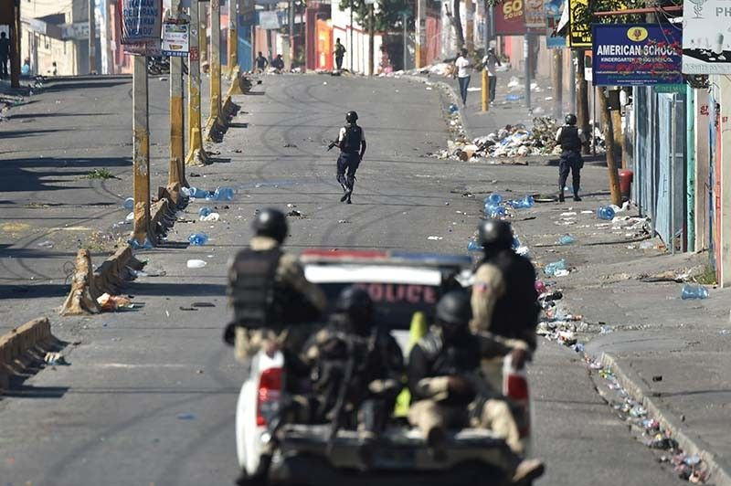 Group of 25 Canadian students flees Haiti unrest