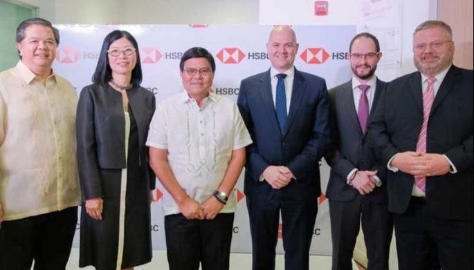 Cebu Vice Mayor Edgardo Labella (3rd from left) with HSBC executives Claro Fernandez, Betty Miao, Graham FitzGerald, Nigel Burbidge and Bruce Peoples