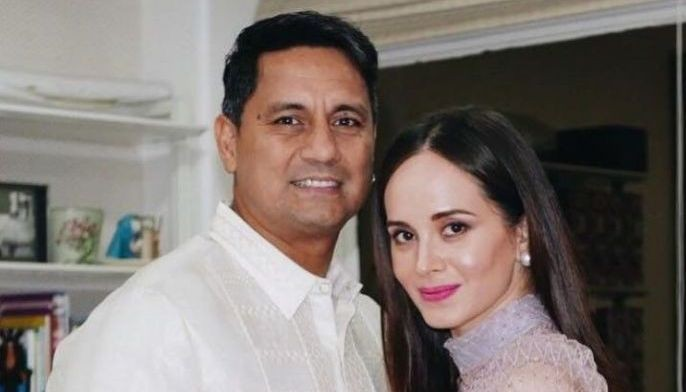 Five years after the commercial shoot, Richard Gomez and Lucy Torres got married and had a daughter.
