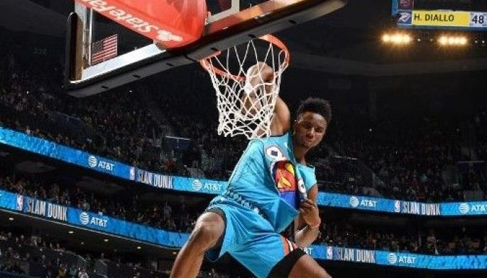 Hamidou Diallo of the Oklahoma City Thunder dunks the ball during the 2019 AT&T Slam Dunk Contest as part of the State Farm All-Star Saturday Night on February 16, 2019 at the Spectrum Center in Charlotte, North Carolina.