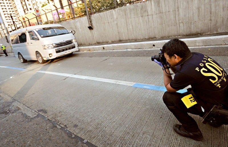 Trader, driver killed in EDSA ambush