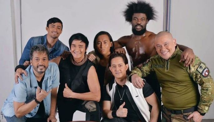 Ronnie Ricketts (third from left) stars in Exit Point, his comeback movie with (from left) Alvin Anson, Neil Perez, Jerico Estregan, Jayson Garcia, Nigerian-Jamaican football-player/model Joachim Idinye and Renzo Cruzâ?¦