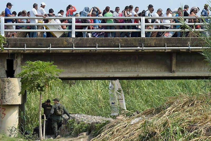Venezuela 'on alert,' closes Curacao border ahead of aid shipment