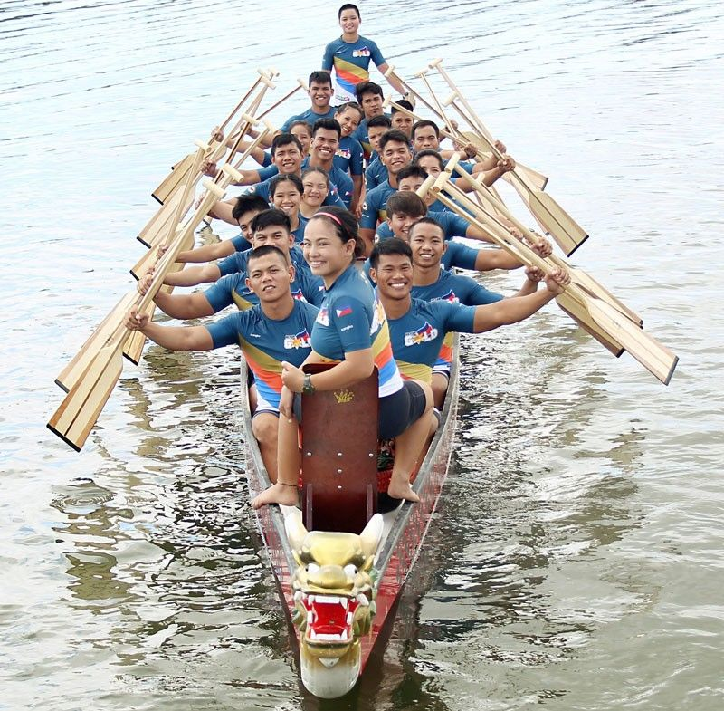Members of the triumphant Philippine dragon boat team.