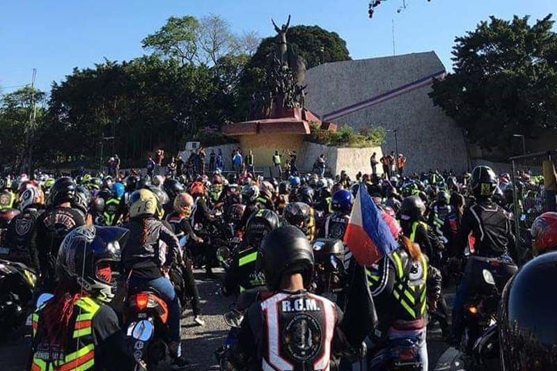 'No to doble plaka': Thousands of motorcycle riders hold nationwide protest