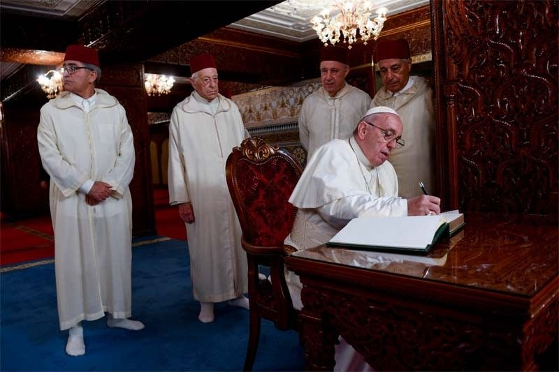 Pope signs Jerusalem declaration on Morocco trip