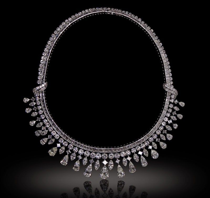 Harry Winston and Other Girl�s Best Friends at León Exchange Auction