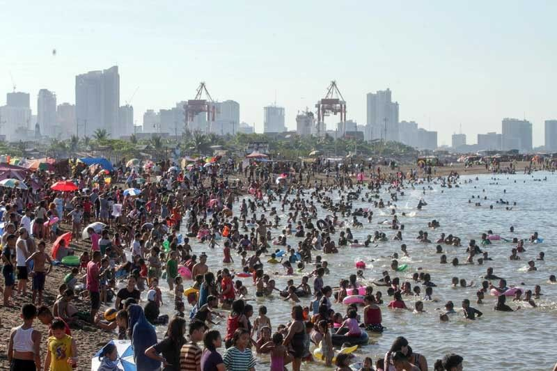 Hottest day in Metro Manila on Easter