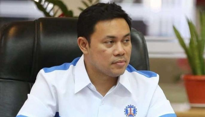 Public Works Secretary Mark Villar said his office is conducting an assessment and investigation to determine who could be held liable for the incident where at least 12 people have died.