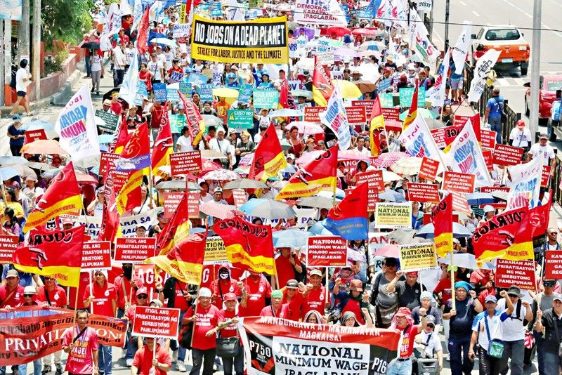 Duterte pushes passage of pro-worker laws