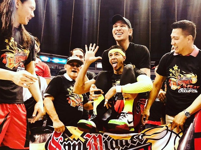 Beermen rally to frustrate Hotshots, win 5th straight PBA Philippine Cup crown