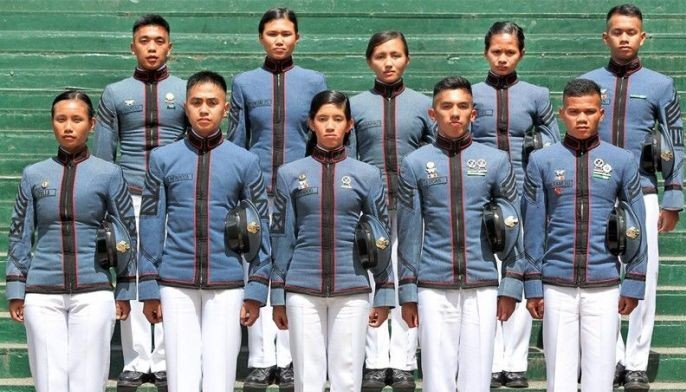 The top graduating cadets of the Philippine Military Academy�s Mabalasik Class of 2019, led by Dionne Mae Apolog Umalla (front, left), pose for a photo during a presentation yesterday. Joining her are Jonathan Mendoza, Jahziel Tandoc, Daniel Heinz Lucas, Aldren Altamero, Richard Lonogan, Marnel Fundales, Glyn Elinor Marapao, Ruth Angelique Pasos and Daryl James Jalgalado Ligutan.