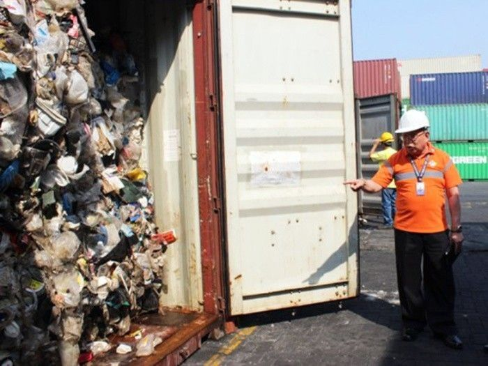 Canada hires company to take back trash from Philippines by end of June