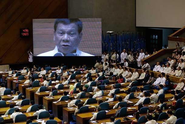 Duterte leaves it to House to pick next speaker