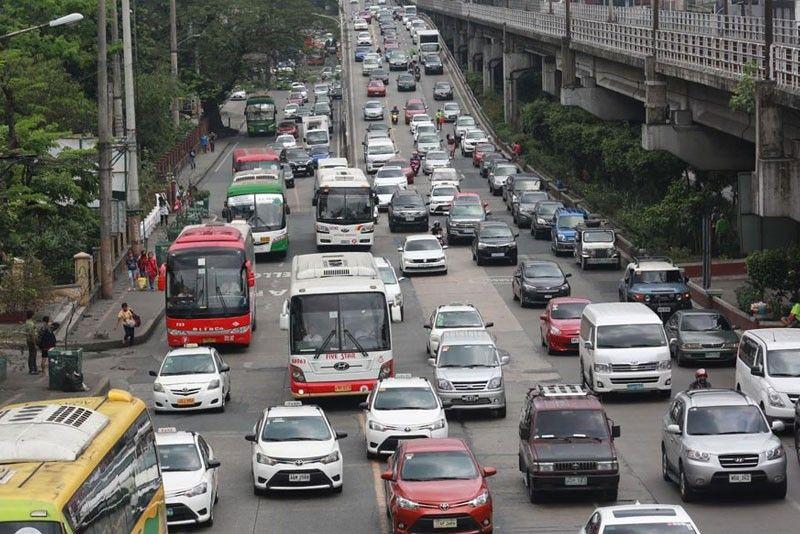 Duterte vows 5-minute travel between Cubao, Makati