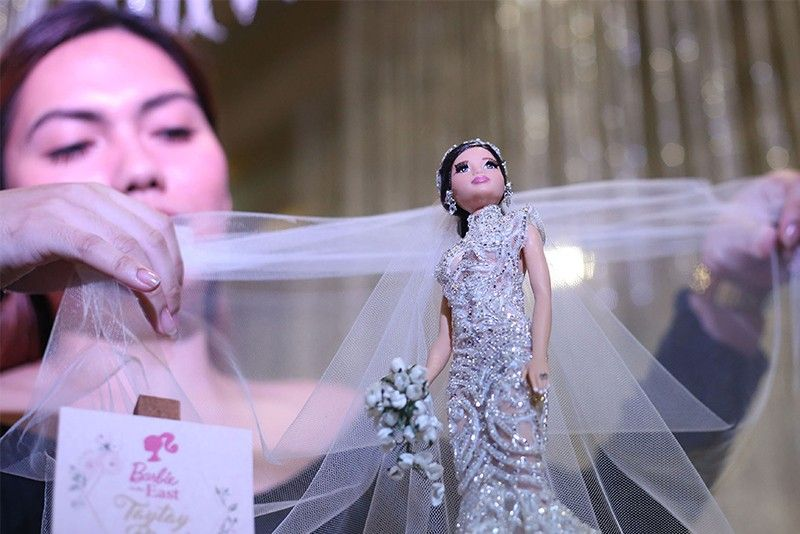 In Photos Local Fashion Designers Create Filipina Barbie Dolls For Independence Day Philstar Com