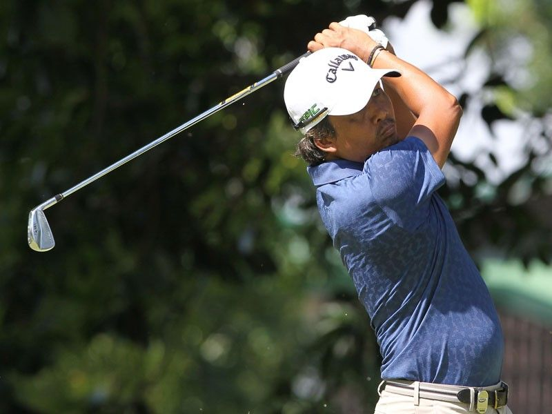 Pagunsan defies odds, grabs lead with 2nd 66