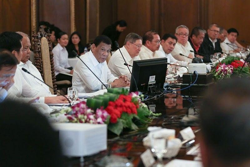 Online Cabinet meeting eyed to ease traffic