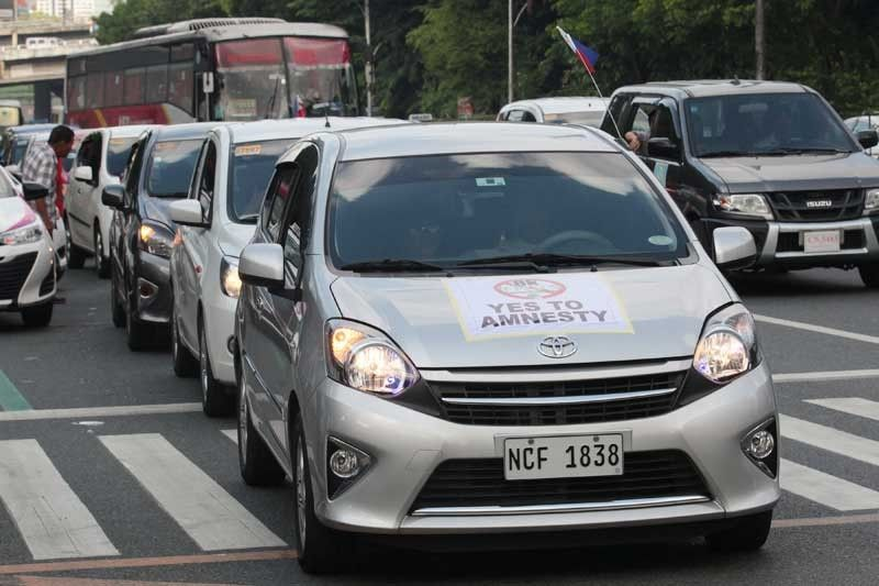 DOTr allows hatchbacks to operate as TNVS