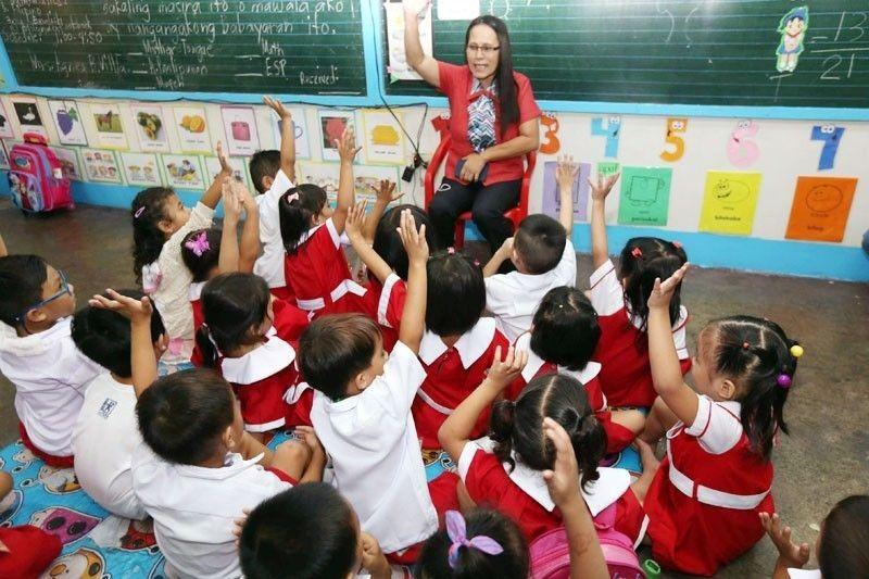'Entry-level' na guro sa public schools ipina-eexempt sa buwis