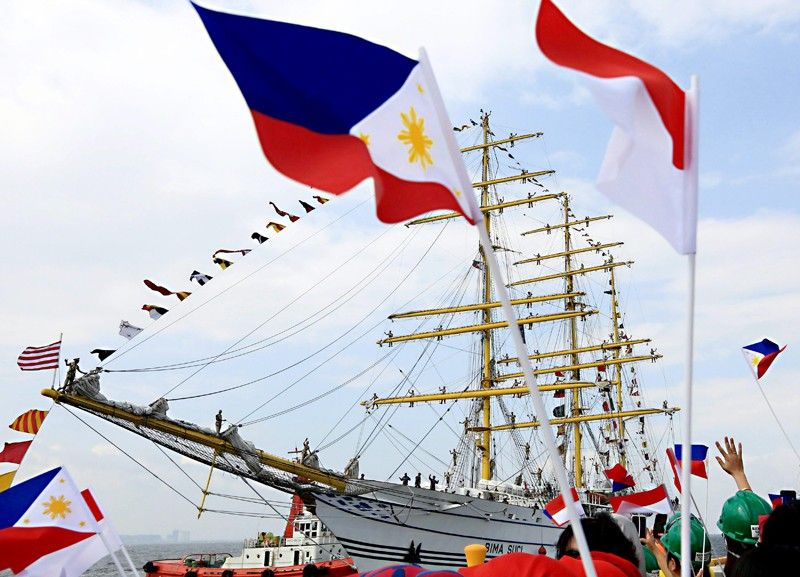 Indonesian Navy vessel in the Philippines