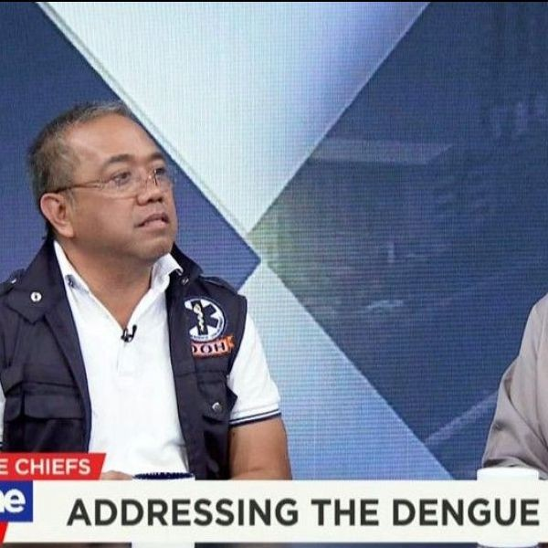 Eduardo Janairo (right), head of the National Dengue Task Force, and DOH Epidemiology Bureau director Ferchito Avelino face �The Chiefs� on Monday on Cignal TV�s One News.