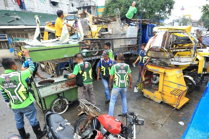 Mayors confident of beating deadline to clear roads
