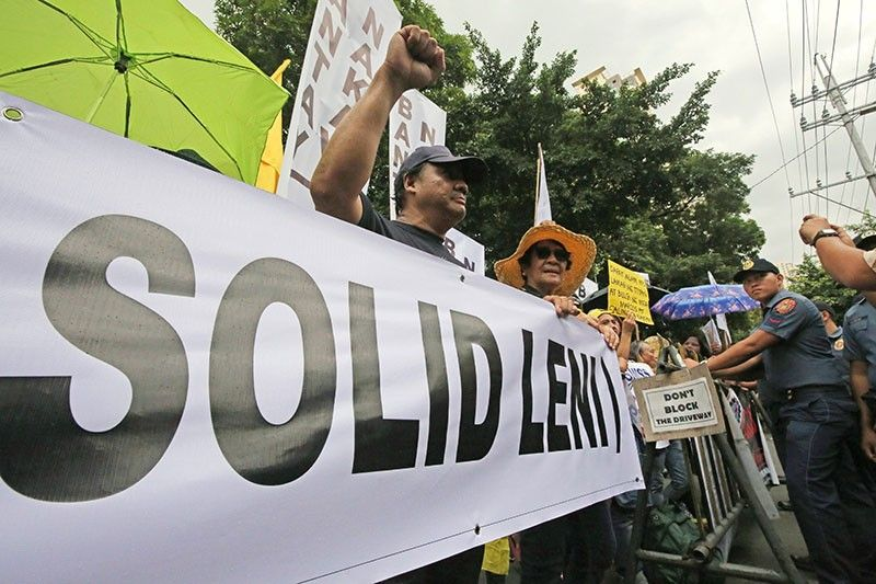 SC defers voting on Marcos-Robredo case anew