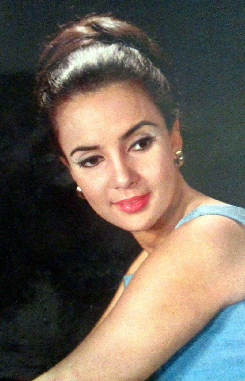 Last misty-eyed look at Amalia Fuentes