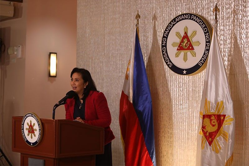 Robredo hits Marcos: Between the two of us, I'm not a robber