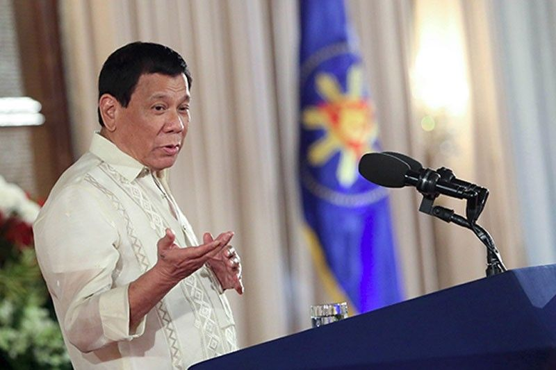 Duterte�s droopy eye not life threatening � Palace
