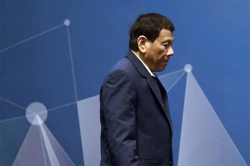 Duterte: Territorial dispute sa South China Sea, talakayin
