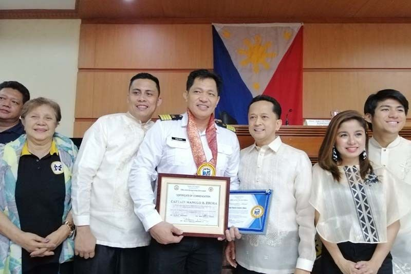 Batangas City commends Filipino captain who stood up to Chinese ship