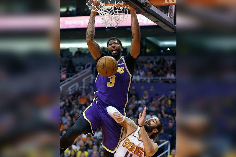 Lakers inilubog ang Suns