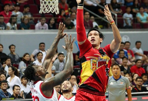 San Miguel's Fajardo 'out indefinitely' after leg injury