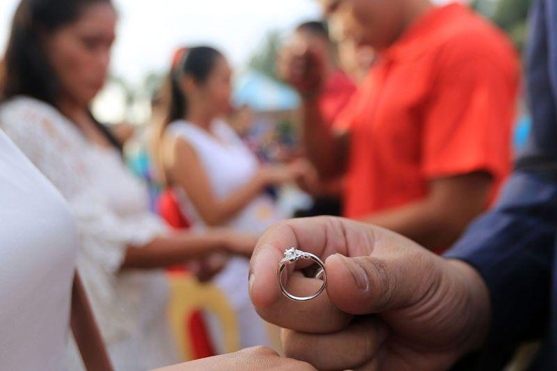 House panel approves divorce bills